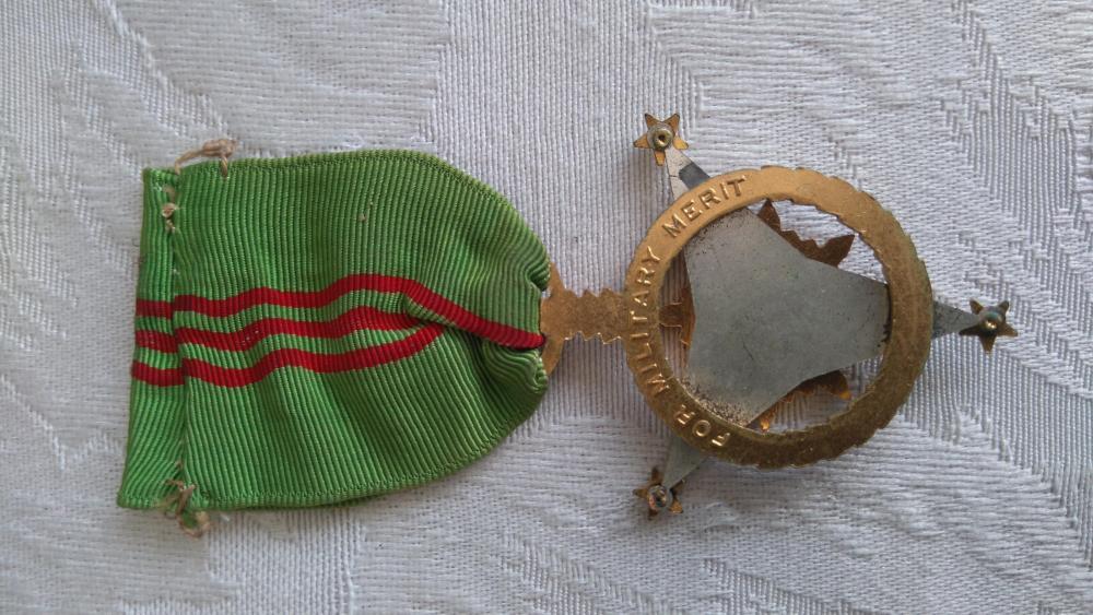 Philippines-Military_Merit_Medal(1)-R.JPG