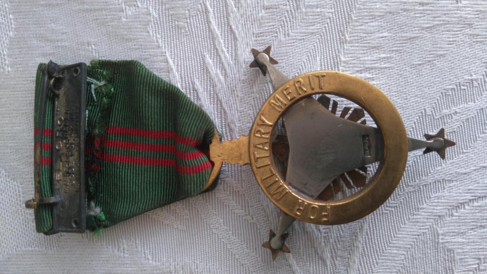 Philippines-Military_Merit_Medal(2)-R.JPG