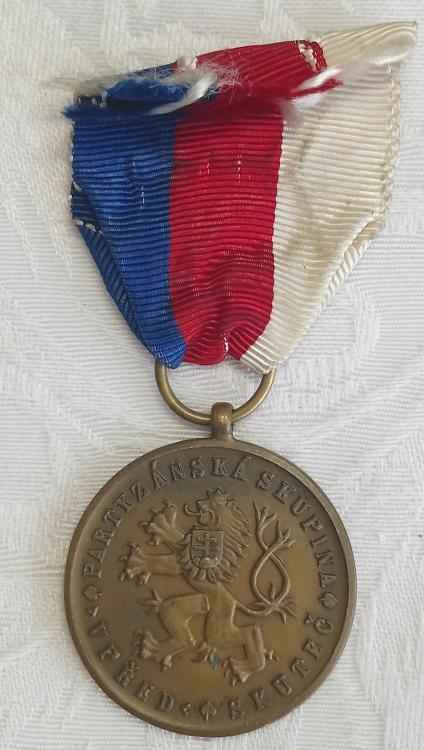Czechoslovakia-Commemorative Medal of Partisan Unit Forward Skutec-R.JPG
