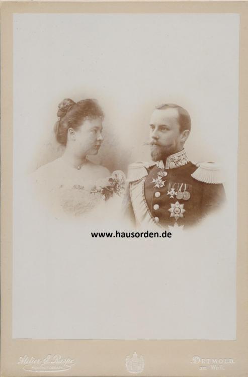 Lippe-Fürst Leopold mit Bertha _Thronbesteigung 1901.jpg
