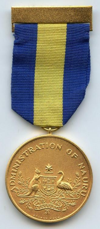 Nauru Loyal Service Medal obverse.jpg