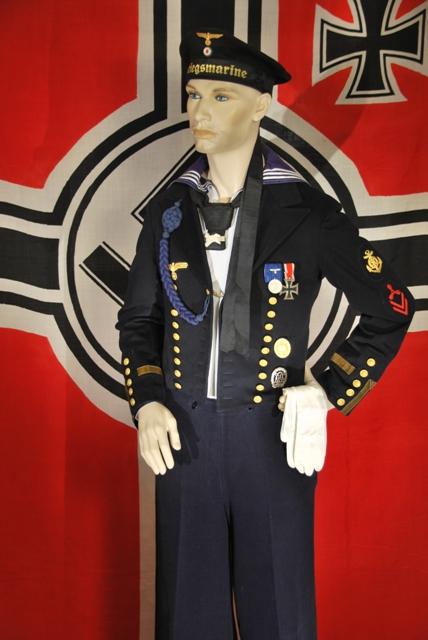 Kriegsmarine Maschinenmaat in Parade Uniform.
