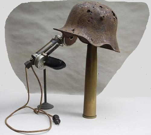 Armeefernsprecher alter Art & M18 mit Ohrenausschnitt