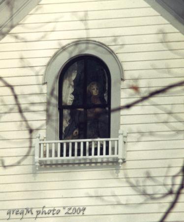 Girl In windowGmic