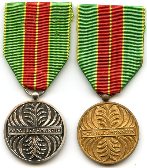 Congo BrazzavilleMedal of Honour 2 medals.jpg