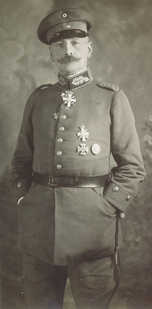 Generalmajor von Holleben 02.jpg