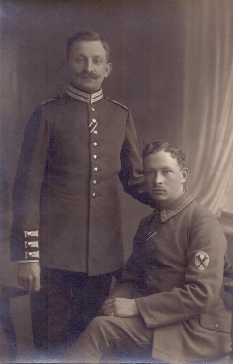 Leibgarde-Inf.Rgt. 115 (Handgranatenwerfer-Abzeichen).jpg