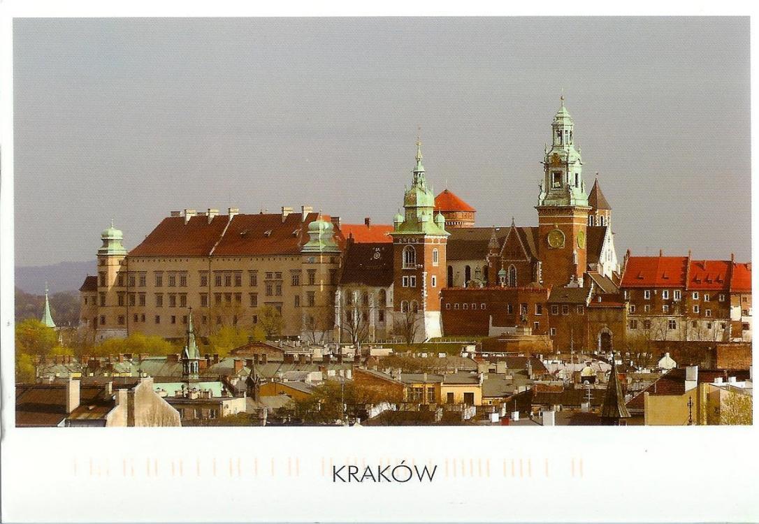 poland-wawel-castle.jpg