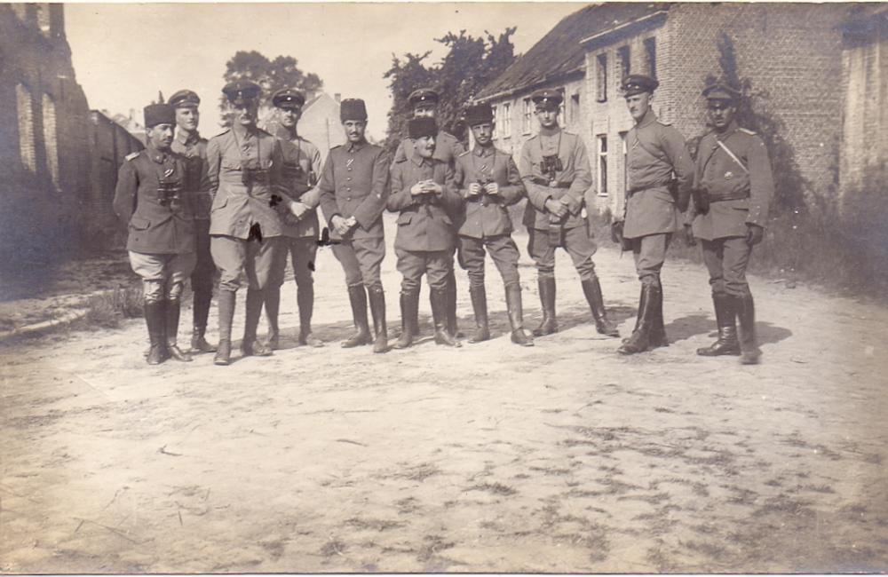 unbekannt (deutsche und türkische Offiziere, Flandern, Sommer 1916).jpg