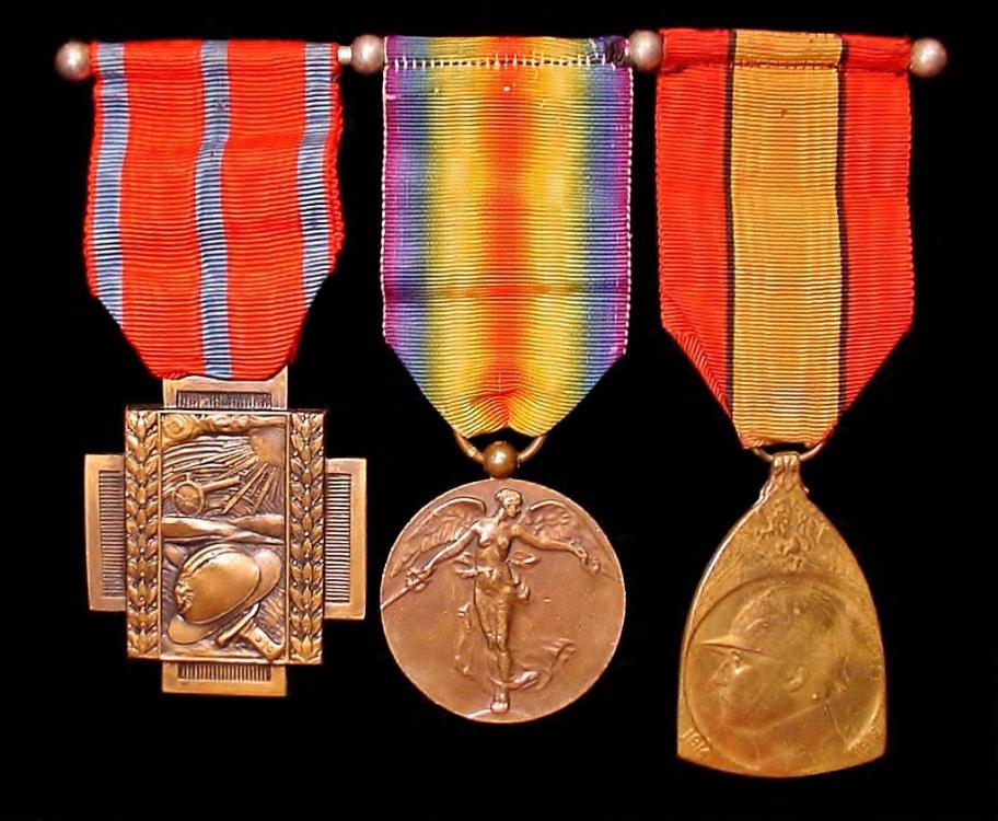 Medal bar f.JPG