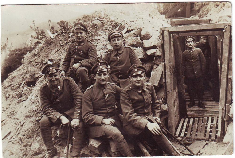b.22.Res.Rgt. (Gruppe, Verbandsabzeichen b.8.Res.Div., 11.Armee).JPG