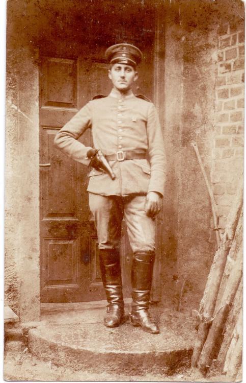 unbekannt (Verbandsabzeichen 11. Armee, Pistole).jpg