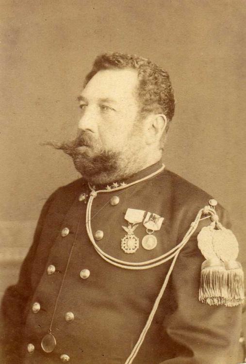 B - 020 - Kapitein 3e Regt.Inf. - Ordere de ND de la Guadeloupe + Méd. de Mexique (1863) France (Tournai).jpg