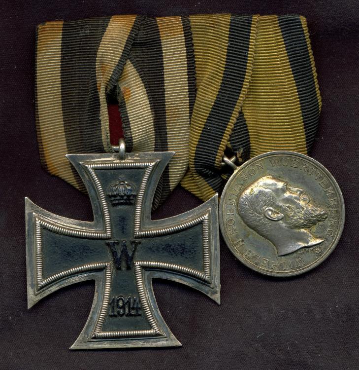 EK2 and Militärverdienstmedaille_medal bar_obv.jpg