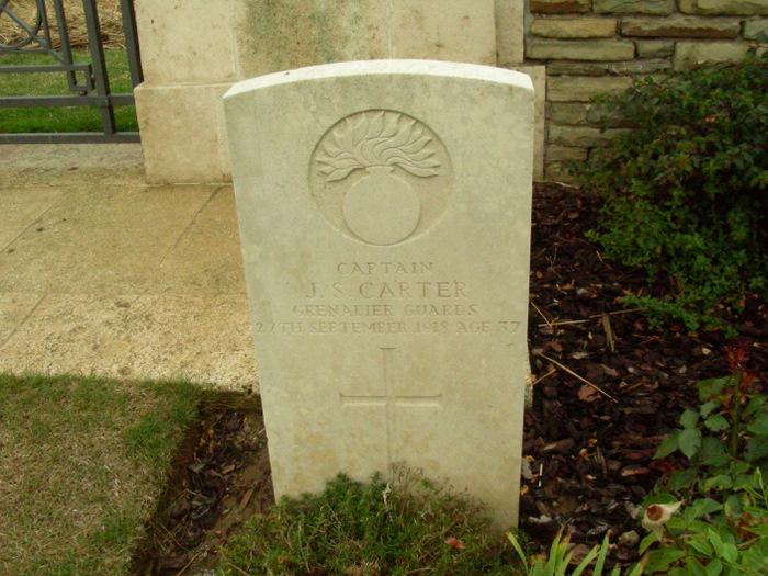 Capt Carter Grave.jpg