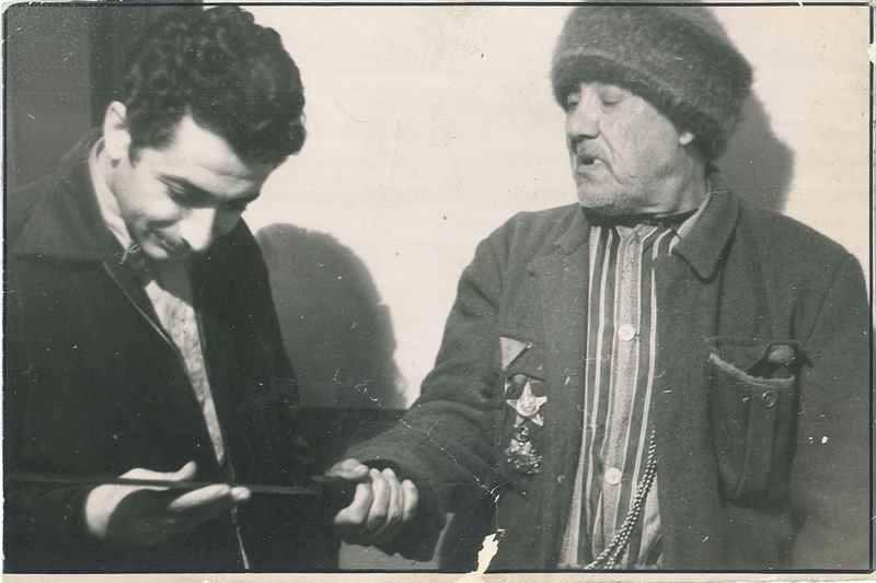 Birinci Dünya Savaşı ve Kurtuluş Savaşı'na katılan ve bulunduğu her yerde fevkalade başarılar göstermesiyle tanınan Kara Salih Çavuş'un Harp Madalyalı bir fotoğrafı.jpg