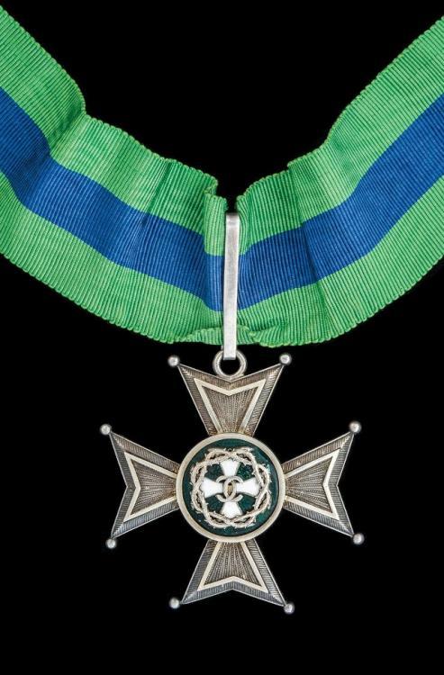Romanian Honour Cross of the Order of Merit 1st Class.jpg