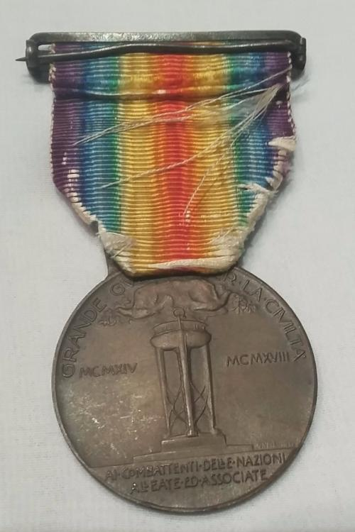 medalha-vitoria-interaliada-1-guerra-tipo-2-italia-162521-MLB20789369367_062016-F.jpg