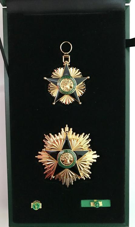 Ordre du Merite - Grand Croix_3_low.jpg
