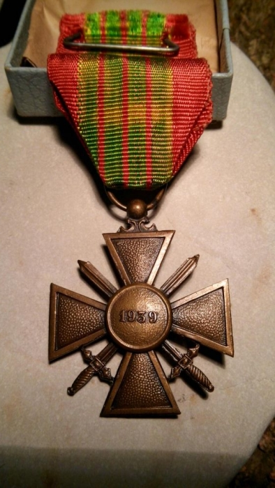 914116057_1_1000x700_medalha-militar-cruz-de-guerra-1939-cantanhede_rev005.jpg