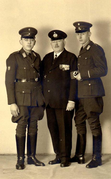DRK - 006 - DRK vor 1938, ärmelstreife für 5 Dienstjahren, mir Kyffhäuserbund.jpg