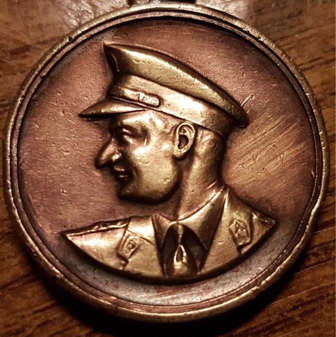 18637_ZIlio2.tn.jpg