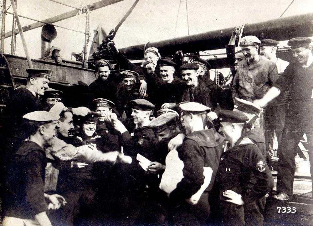 KaMa - Wolf (3) - Heimkehr SMS Wolf (Flensburg, 17.2.1918).jpg
