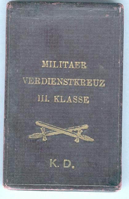 0062-MVK III. Kl. mit Schwertern Etui oben.jpg