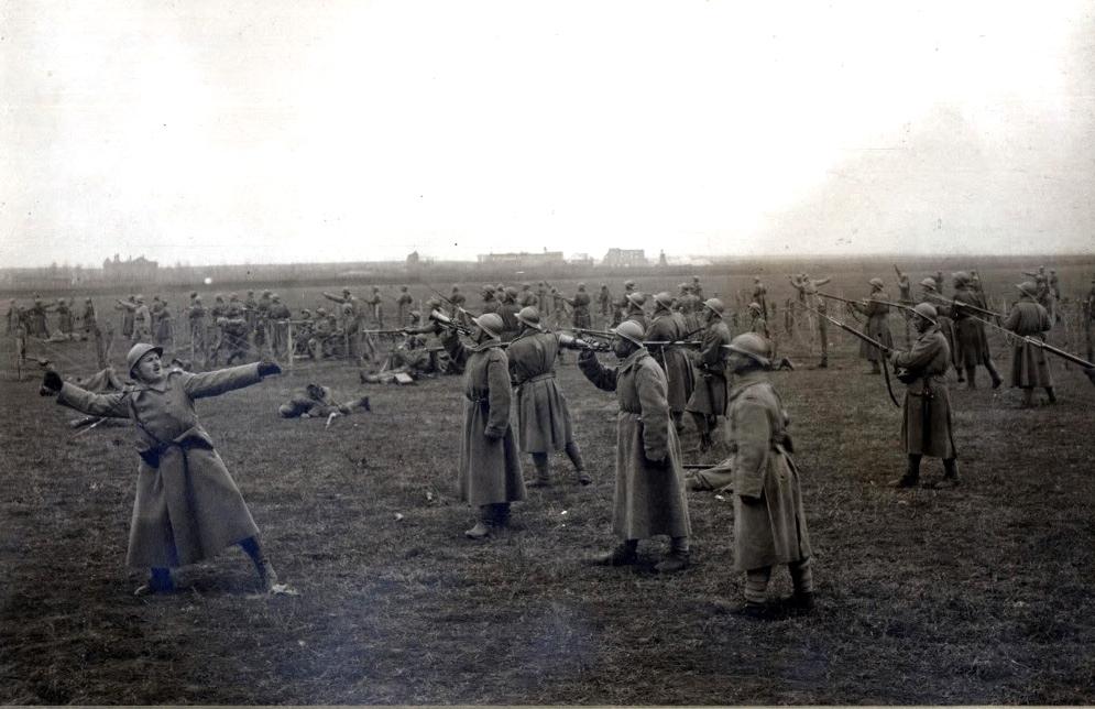 32nd_Mircea_Voda_Regiment_(The_Attack-1917)_during_Marasesti_Battle_,personal_album_of_Aristide_Razu.jpg
