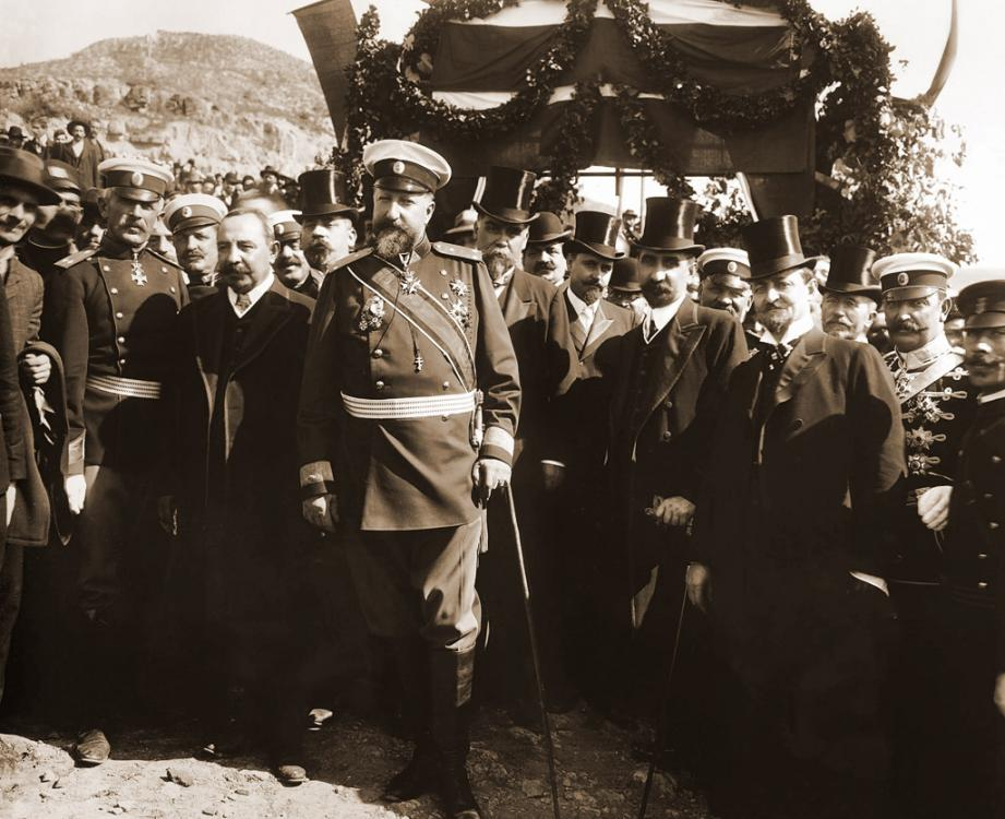Tzar_Ferdinand_at_proclamation_of_Bulgarian-independence.jpg