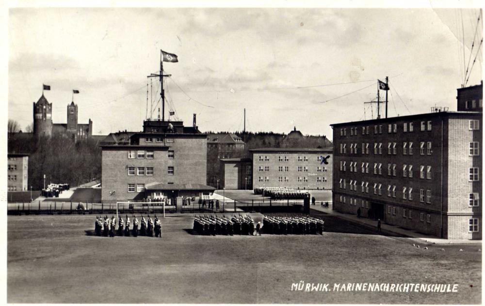 @KM Flensburg-Mürwik Nachrichenschule.jpg