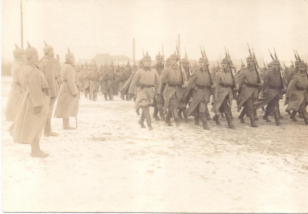Inf_Rgt._124_(Vorbeimarsch,_Rommel).jpg