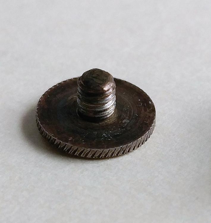 EK1 Prince screw.jpg