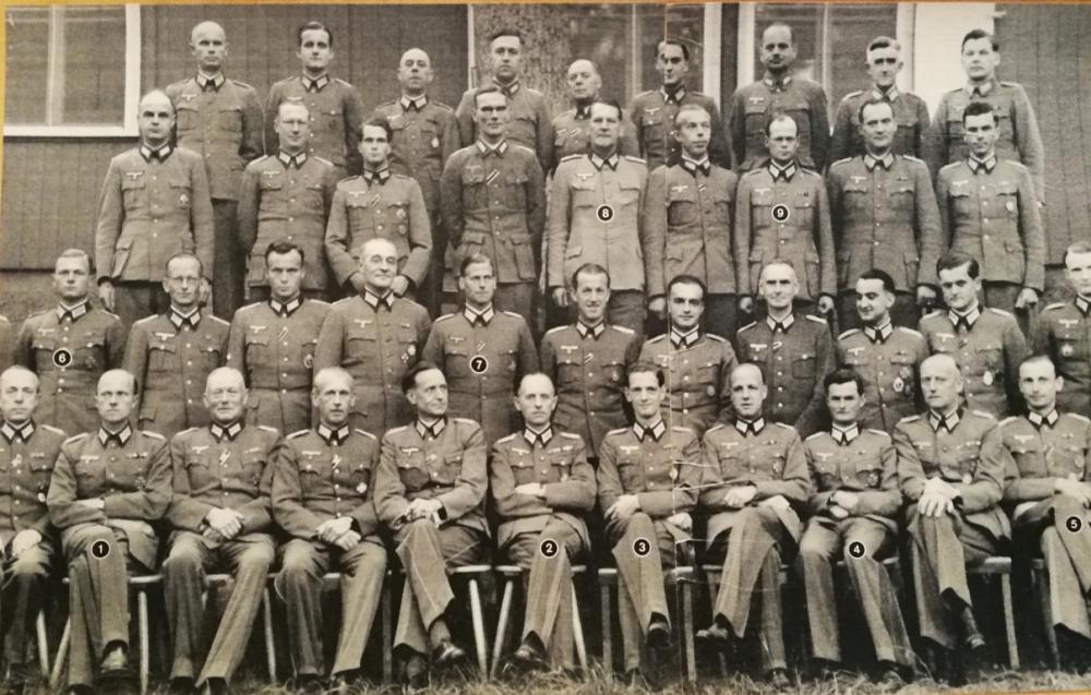 5a8f8d8e059ef_Wehrmacht(mitspteremGeneralWendland).thumb.jpg.055a442d950c2ef2eb17271e7e93aaea.jpg
