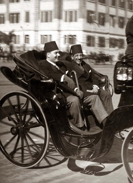 King Farouk I with primeminister Aly Maher pasha.jpg