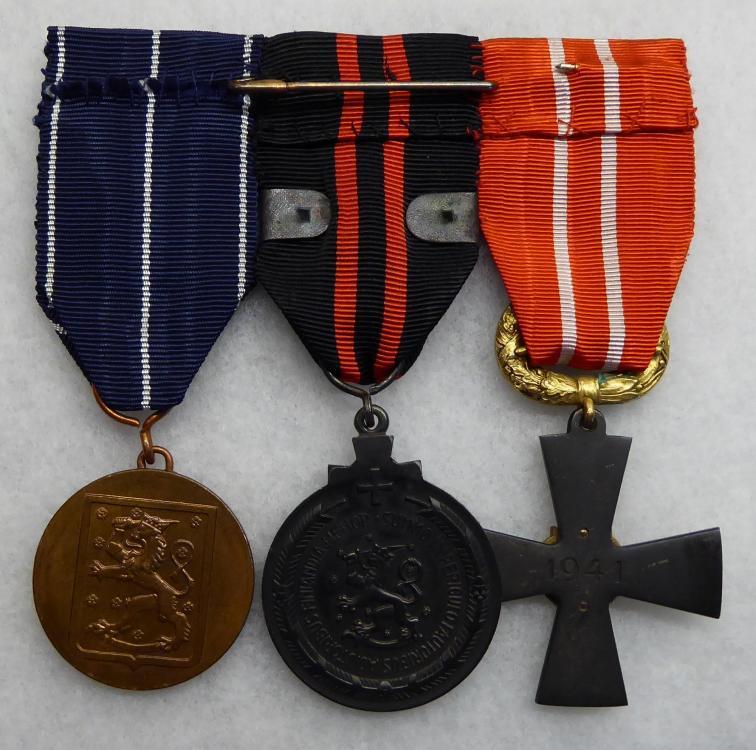 Medalbar Back.JPG