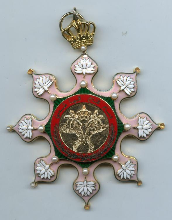 Irak Order of the Hashemite Crown sash badge obverse954.jpg