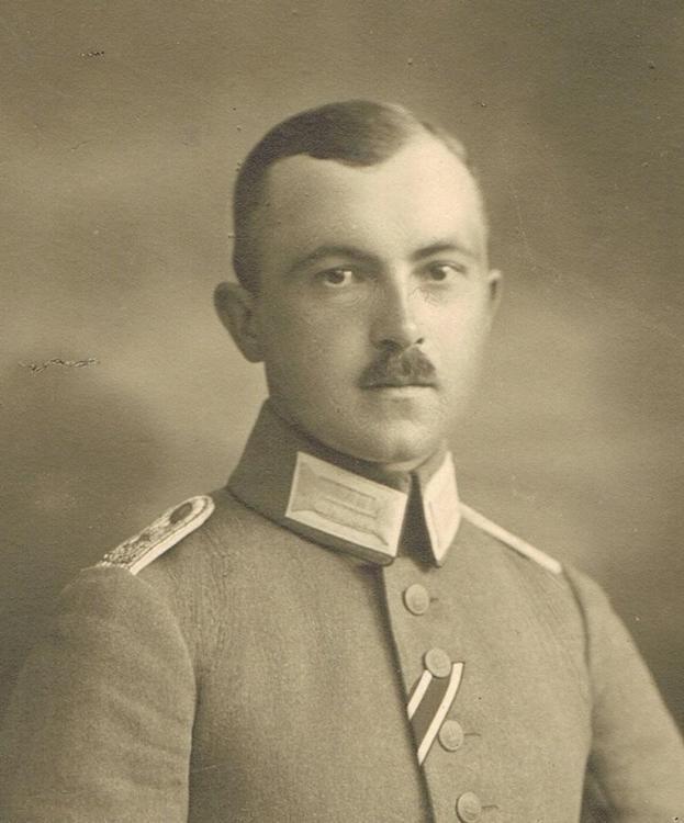 Langheinz - Portrait Detail.jpg