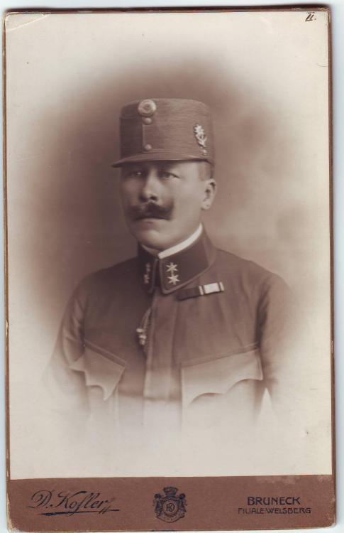 K.u.k. (Oberleutnant XIV.AK, II.-1.Rgt. Tir.Kaiserjäger,  Edelweiß).JPG