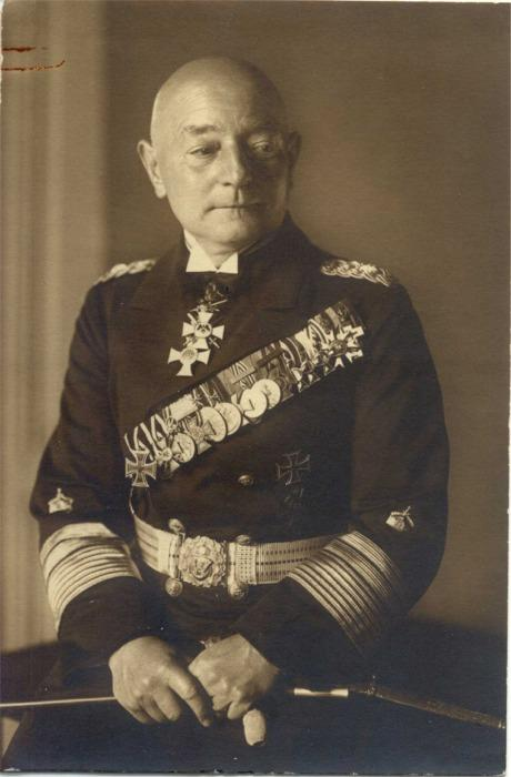 Vizeadmiral Karl Wedding 2.jpg