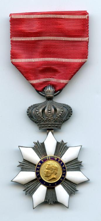 Madagascar Order of Radama Knight Type 2 obverse.jpg