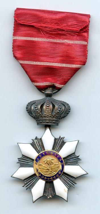 Madagascar Order of Radama Knight Type 2 reverse.jpg