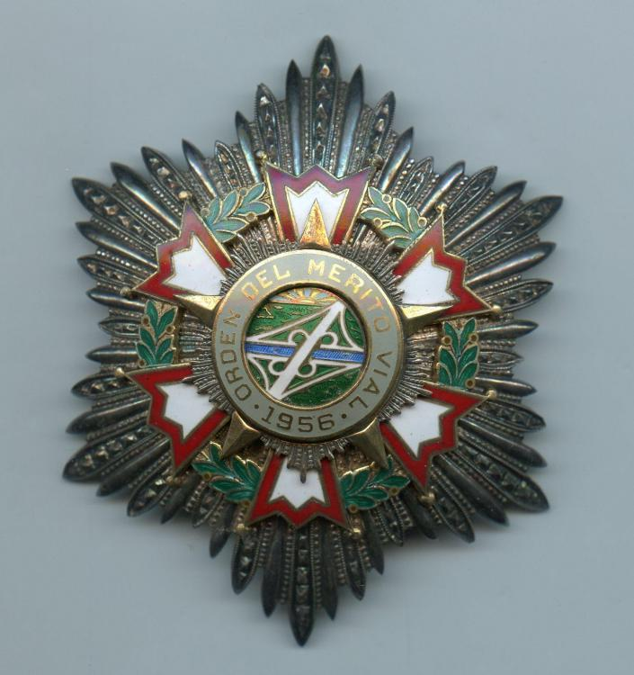Cuba Order Merito Vial Grand Cross breast star.jpg
