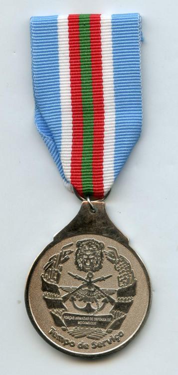 Mozambique Medal Tempo de Serviço with INCORRECT UN ribbon obverse.jpg