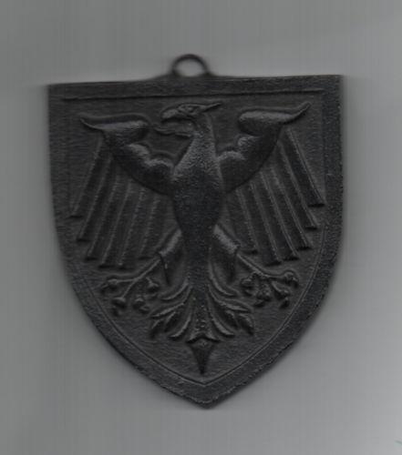 Panzerschiff Deutschland wappen.jpg