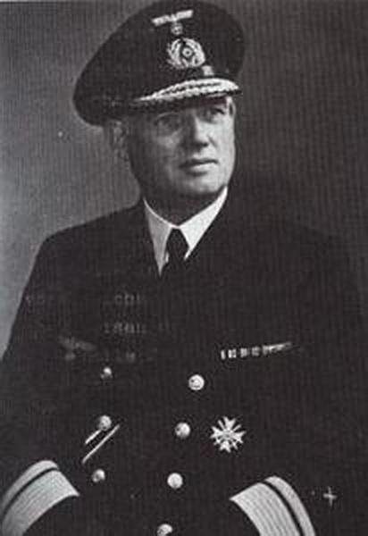 Hamelau, Hans - Konteradmiral.jpg