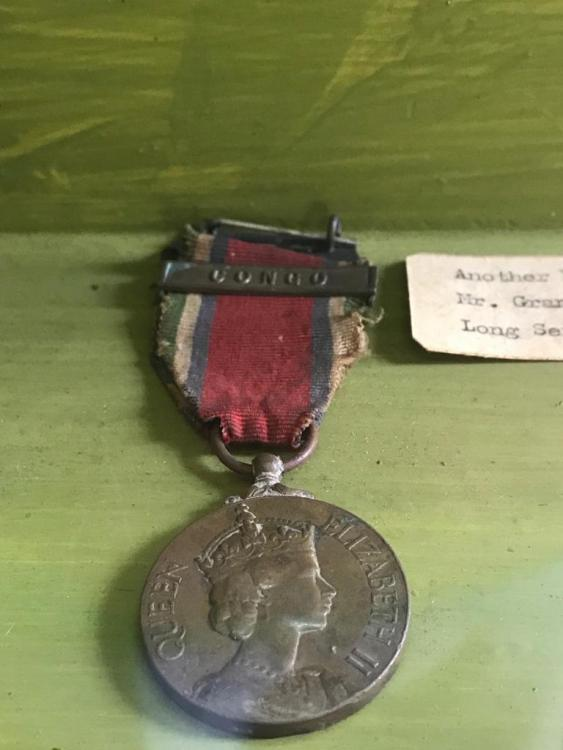 Sierra Leone GSM type 1 with Clasp Congo in Freetown Museum.jpg