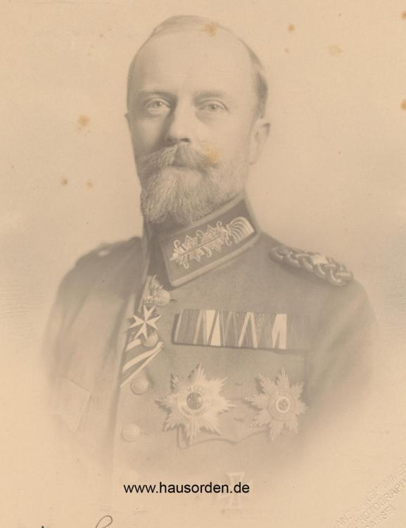 1828923182_1916-Lippe-LeopoldHalb-PortraitFeldschnalle1916.thumb.jpg.c24dc1395e2379a47557f180a8c95f1d.jpg