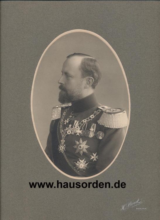 323505725_1915-Lippe-FrstLeopoldIVSeitenportraitin55erUniform.thumb.jpg.d4a3d4adfca33b41d39f8fda3228ff1f.jpg