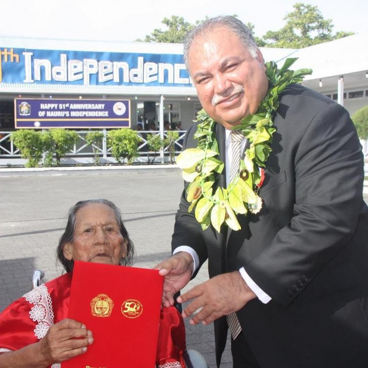 Nauru President Baron Waqa Present First Day Cover to oldest Nauruan Cecil 92 on 51th Indepedence Ceremony.jpg